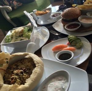 مطعم تاو