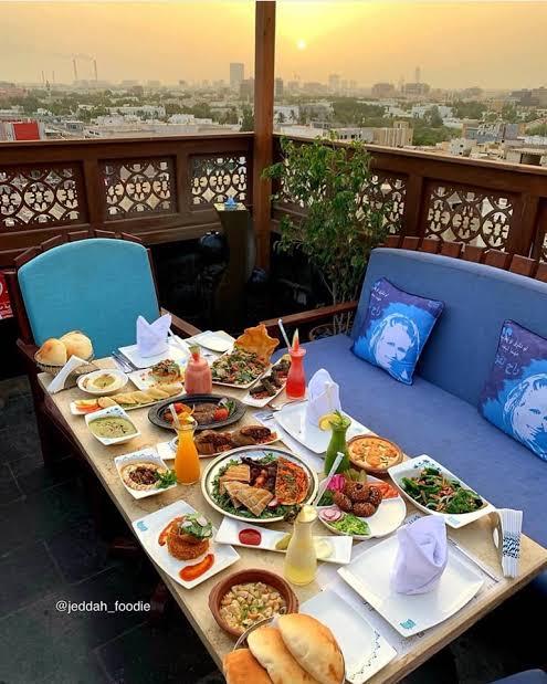 مطعم قمرية في جده الاسعار المنيو الموقع مطاعم جدة افخم المطاعم