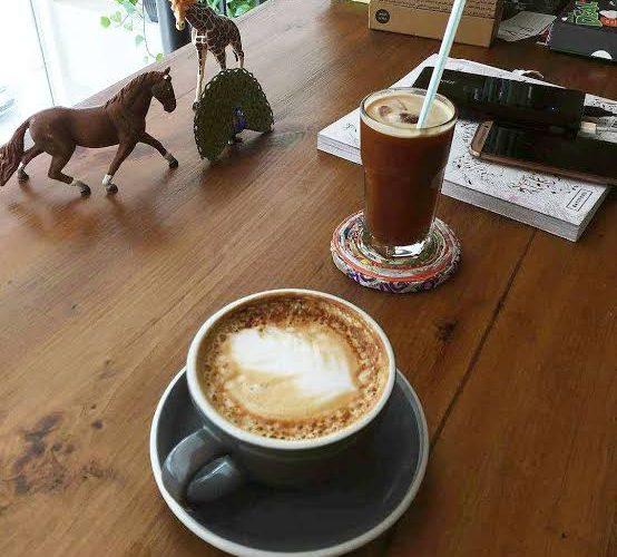مقهى ومحمصة كوب وكنبة
