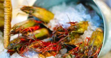 مطعم سوق السمك جده