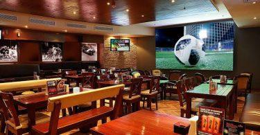 مطاعم تنقل مباريات في جدة